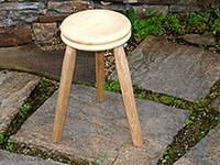 3_legged_stool_1426155875.jpg